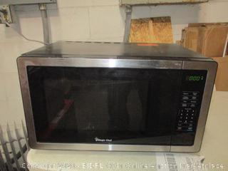 Magic Chef Microwave (Powers On)