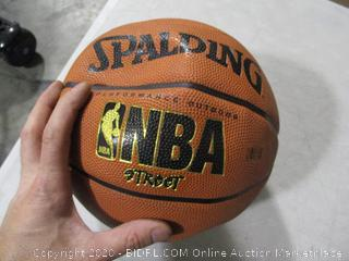 Spalding- NBA Street- Basketball