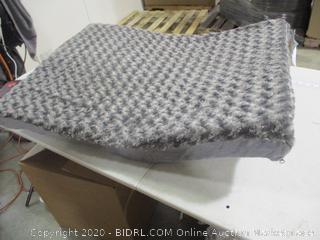 "FurHaven- Ultra Plush Deluxe Memory Foam Dog Bed- Gray- LG (27"" x 36"")"