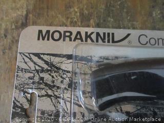 Moraknil Knife