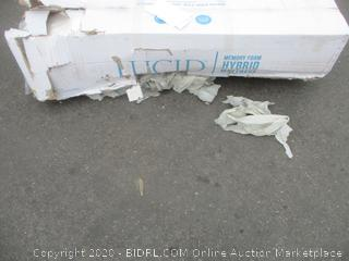 Memory Foam Mattress Size Queen (Box Damage)