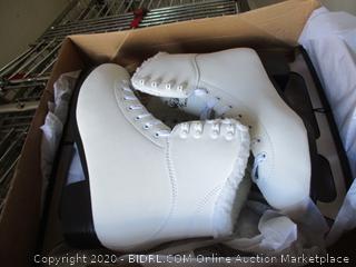 Ice Skates - Sz 9