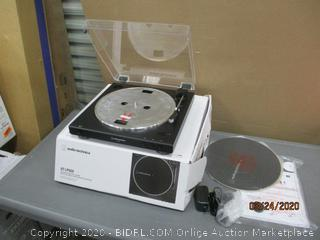 Audio-technica turntable  Powers on  in box