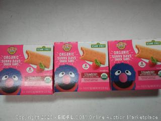 Earth's Best Sesame Street Organic Sunny Days Snack Bars strawberry (3 packs)