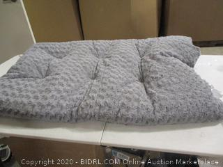 Petmaker- Cushion Pillow Pet Bed (damage, please see picture)
