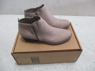 Carlo Boots  size  8