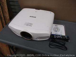 Epson Powerlite Home Cinema 4000 Projector Powers on  See Pictures