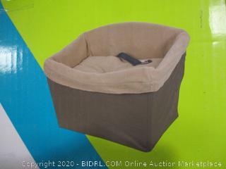 "PetSafe - Dog Safety Seat (17"" x 22"" x 17"")"