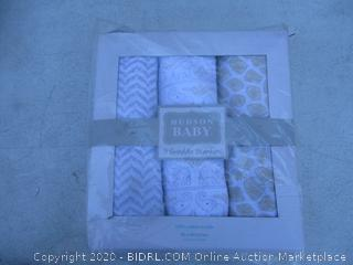 3 Swaddle Blankets