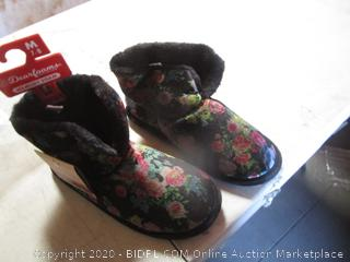 Women's Slippers Size M 7-8