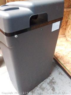 AO Smith water softener(missing 12v power cord) online $499