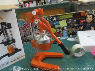 Hand Press Citrus Juicer