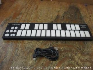 Qu Nexus Smart Sensor Keyboard Controller