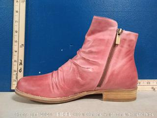 Coltplay Moonlit Ridge Leather Boots - Berry Color - Size 40 (online $139)