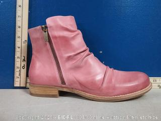 Coltplay Moonlit Ridge Leather Boots - Berry Color - Size 41 (online $139)