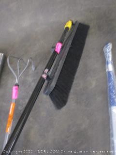 Quickie Push Broom