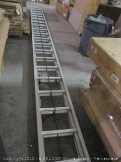 Louisville Ladder    damaged