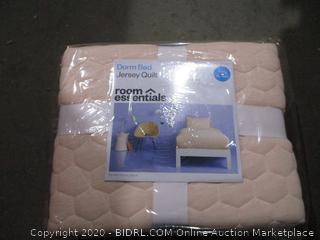 Dorm Bed Jersey Quilt    Twin/XL Twin