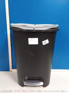 Rubbermaid Trash Can (Missing Lid)