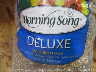 Morning Song Deluxe Wild Bird Food 40lbs
