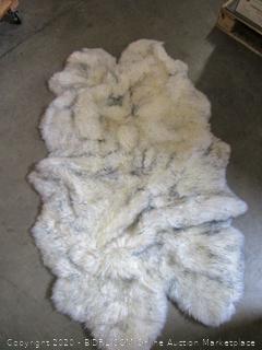 Windward Genuine Sheepskin Pelt Rug