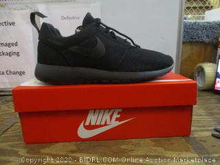 Nike  Size 8