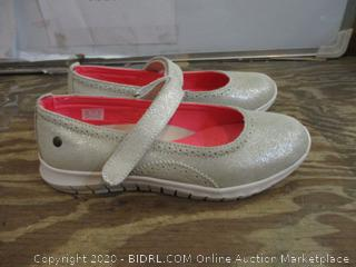 Girls Shoes  4W