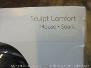 Sculpt Comfort Mouse Powers On