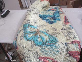 Comforter and 2 Pillow Cases (Full/Queen)