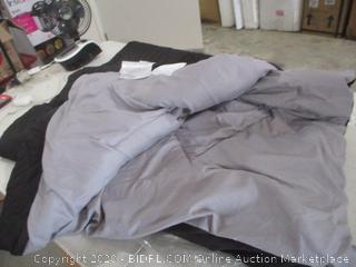 AmazonBasics Comforter (Twin XL)
