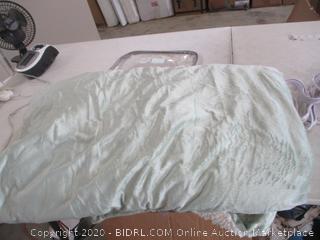 Biddeford - Heated Throw Blanket