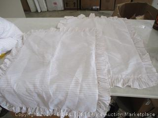 """Lush Decor - Comforter and 2 Pillow Cases (60"""" x 80"""")"""