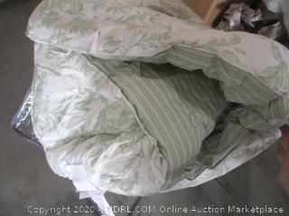 Laura Ashley Home - 7 Piece Bedding Set (Full/ Queen)