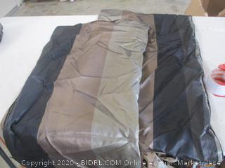Comforter with 2 Pillowcases and Bedskirt (Cal King)
