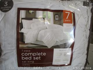 Sidney - 7-piece Comforter Set In White (Cal King)