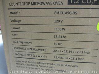 Toshiba Microwave Oven (Powers On)
