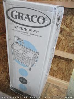 Graco Pack n Play with Change N carry Changing Pad