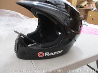 Razor Full Face Youth Helmet, Black (RETAIL $50)