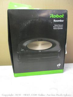 Robot Roomba Vacuum (Powers On)
