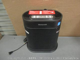 Honeywell Air Purifier - Powers On