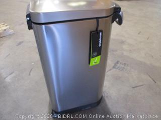 simplehuman 35 Liter, 40 lb / 18.1 kg X-Large Pet Food Storage Can, Brushed Stainless Steel ($138 Retail)