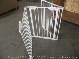Dreambaby - Safety Gate (Damaged, See Pictures)