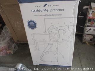 Baby Delight - Beside Me Dreamer Bassinet & Bedside Sleeper (Reail $200)