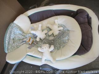 Graco - DuetSoothe Baby Swing and Rocker (Retail $150)