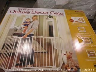 Deluxe Decor Gate