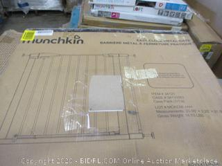 Munchkin Easy-Close Metal Gate