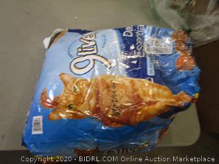 9 Lives Cat Food (Bag Torn)
