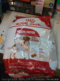 royal canin dog food medium adult 30 lb