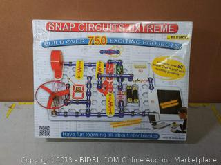 Snap Circuits Extreme SC-750 Electronics Exploration Kit Over 750 Projects Full Color Project Manual 80+ Snap Circuits Parts STEM Educational Toy For Kids 8+(Factory Sealed)