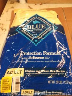 Blue Buffalo Life protection formula adult chicken and brown rice dog food 30 lb bag